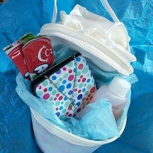 NWOT Cute Little Sweetheart Cupcake Bag 🌼